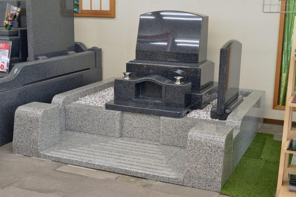 ふたきや秩父店の新しい洋型の墓石が新登場